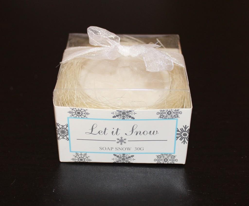 Un savon avec un flocon en guise de cadeaux d'invités