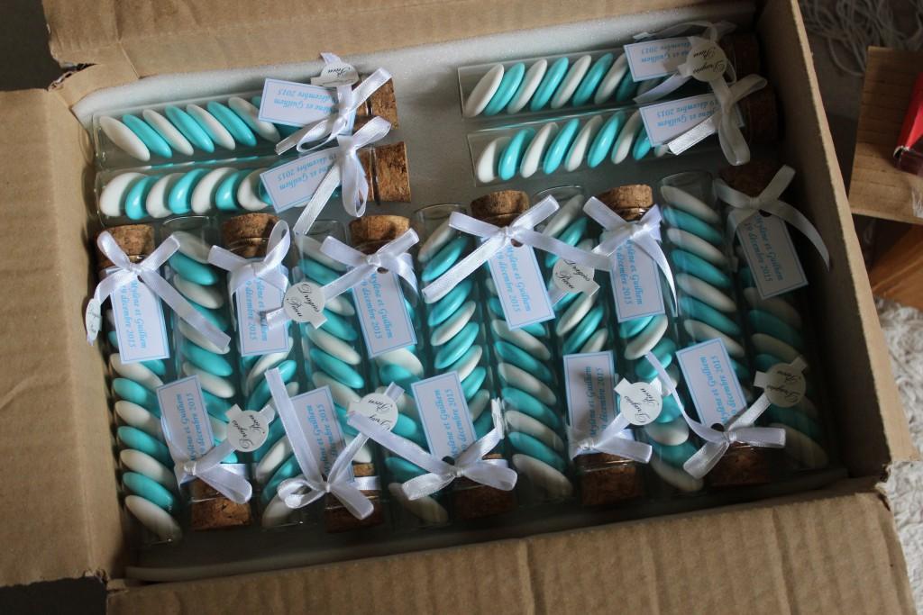 Dragées blanc et bleu pour nos cadeaux d'invités