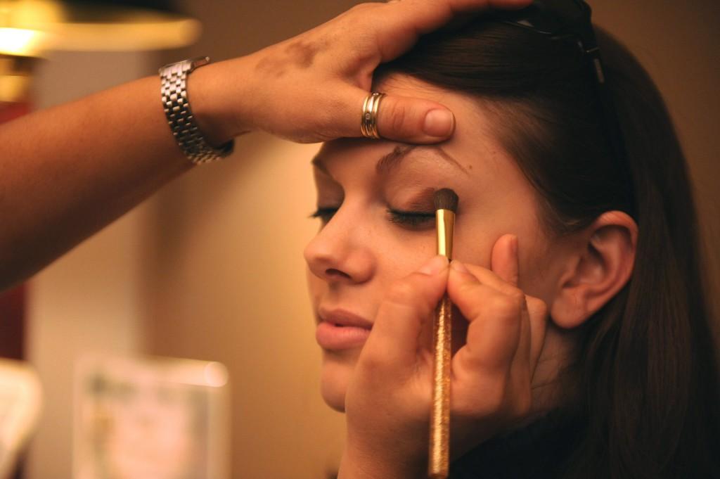 Un cours de maquillage