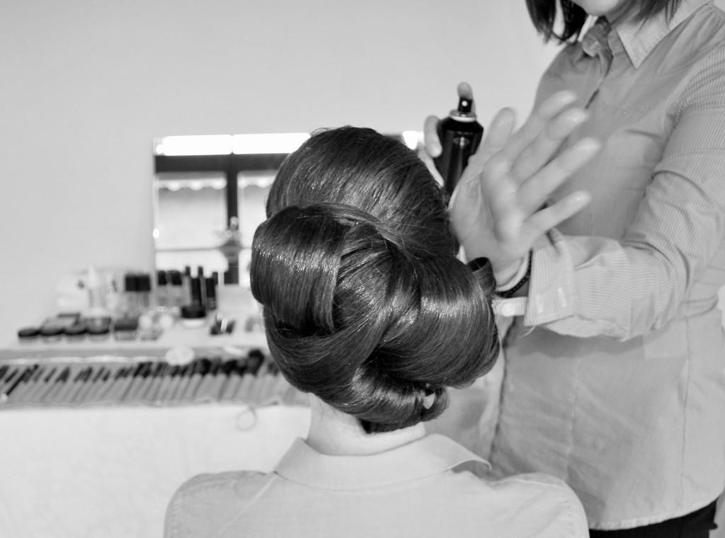 Et un jour, la mariée devra être coiffée
