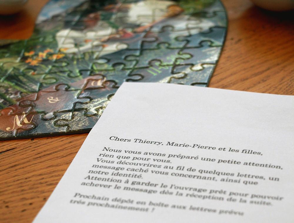 Puzzle et lettre anonyme pour l'annonce du mariage