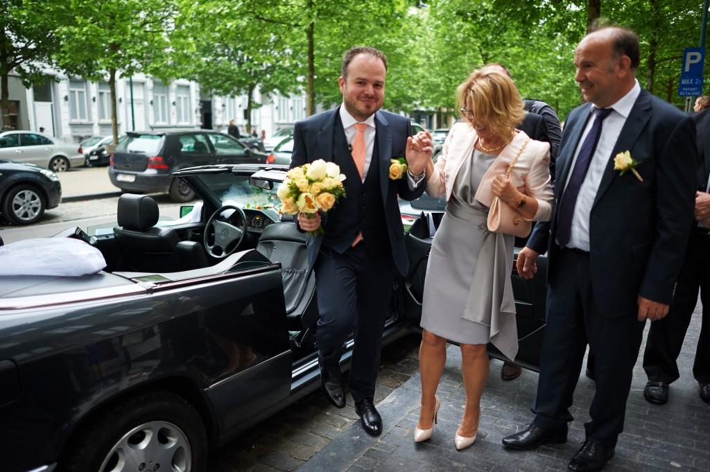 Arrivée et découverte des mariés à l'église // Photo : Stéphane Evras