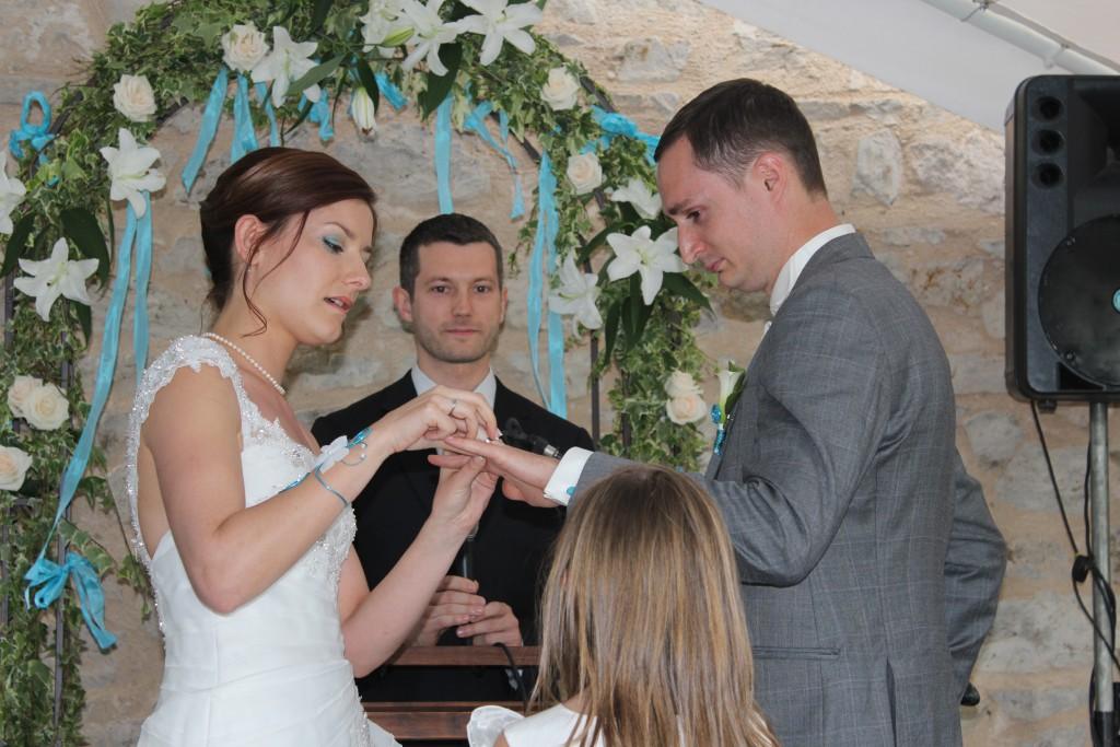 Le mariage en bleu et blanc et à son image de Minette - Photo Azaliya (16)
