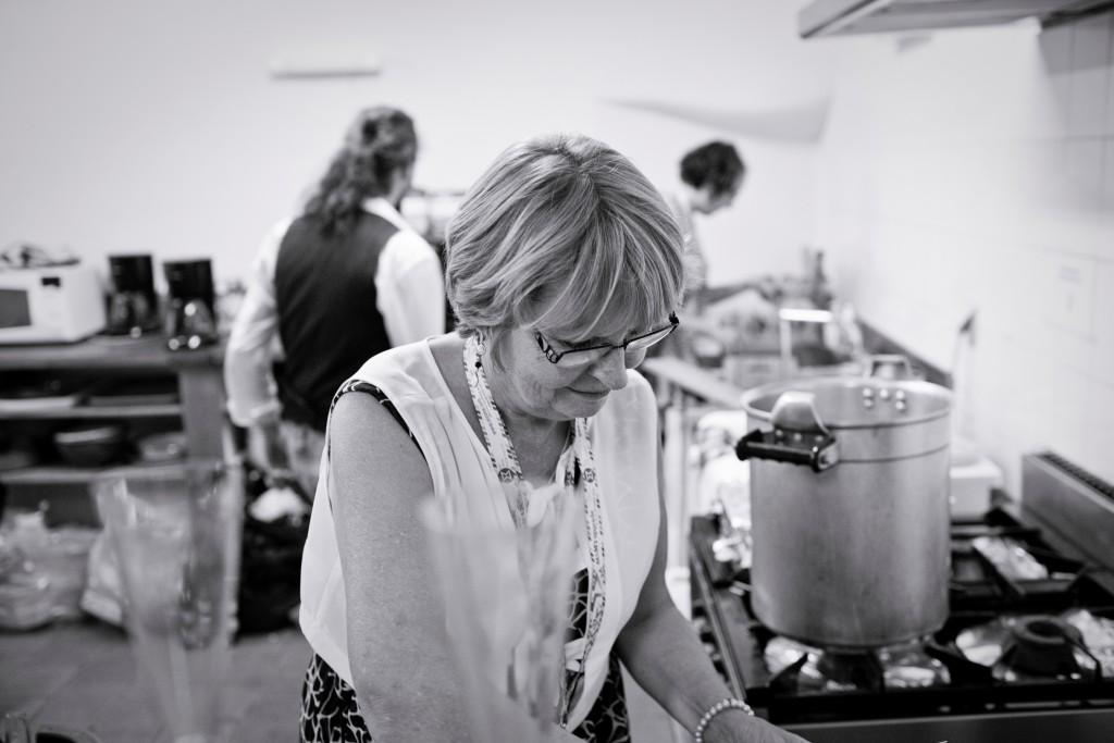 Préparatifs du repas fait maison // Photo : Pierre Grasset
