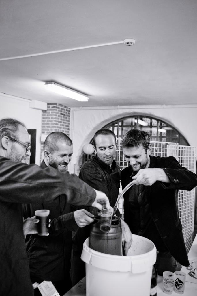 Bière brassée par un ami pour notre mariage // Photo : Pierre Grasset