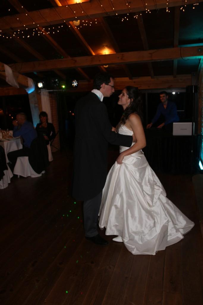 Mariage flocons et marmottes : entrée des mariés