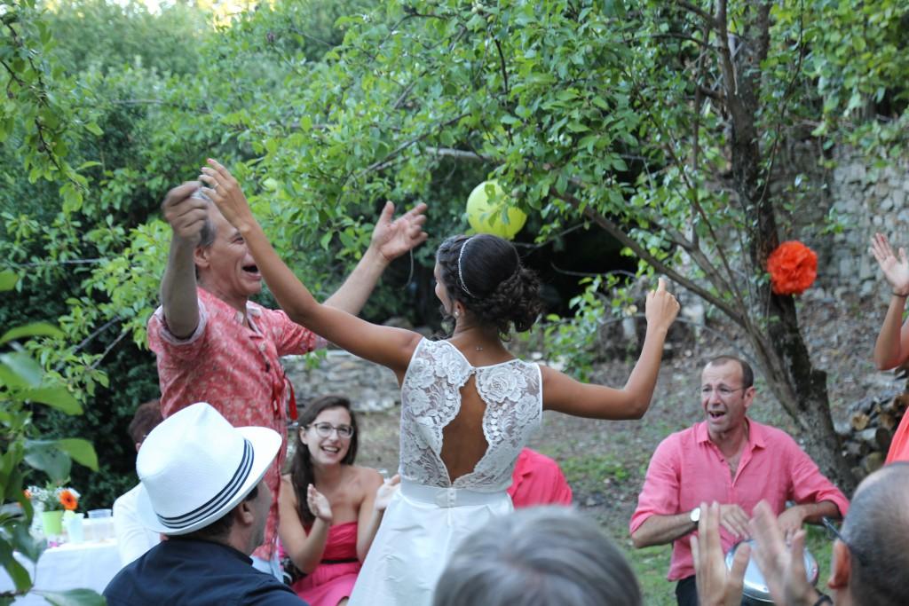 Mariage champêtre et participatif de Louna