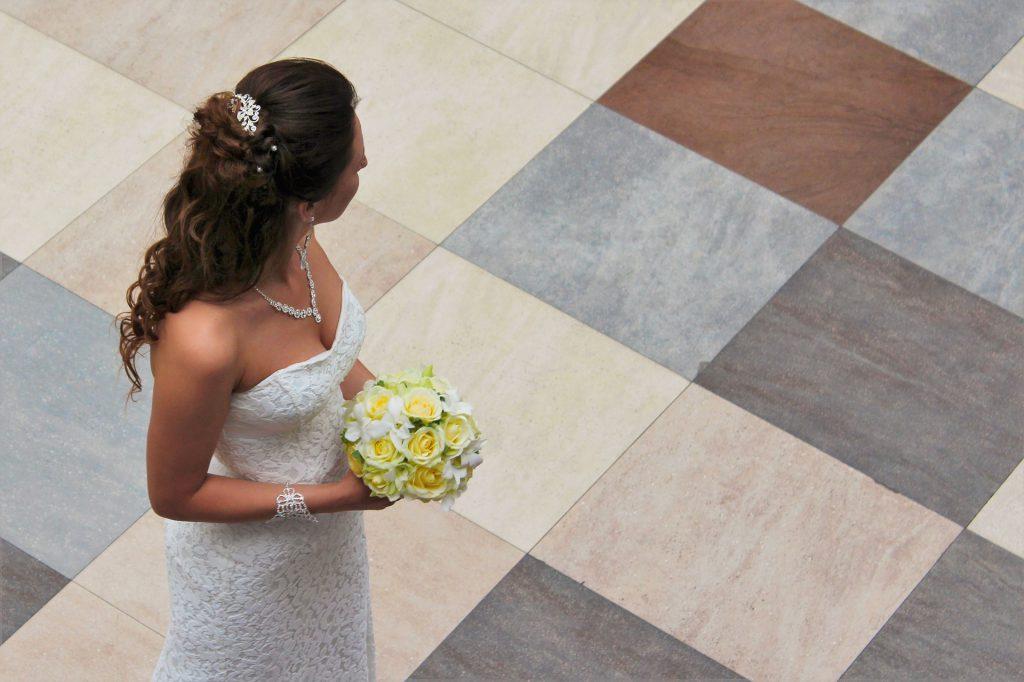 bride-985089_1920