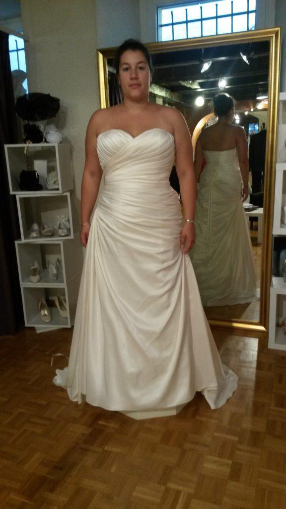 Essayage de robe - Mlle Huit