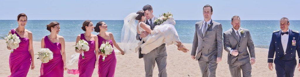 Mariés, demoiselles et garçons d'honneur