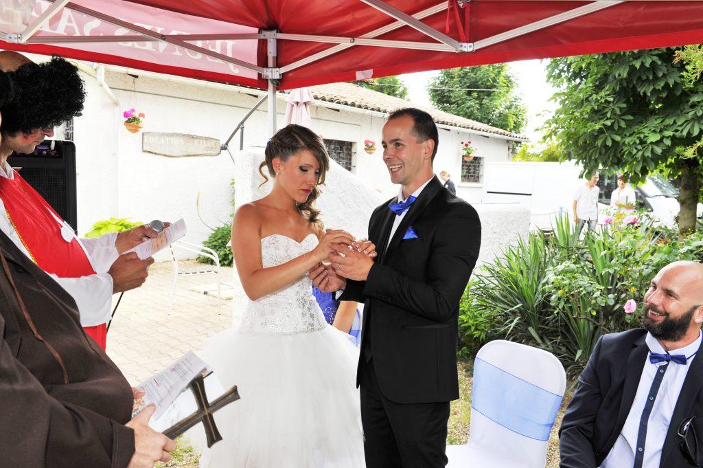 Le mariage surprise d'Alison organisé de A à Z par son fiancé (15)