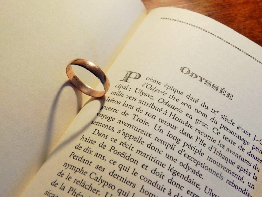 Créer un save-the-date sur notre thème littérature et mythologie