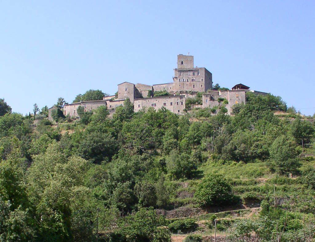 Le château médiéval en Ardèche