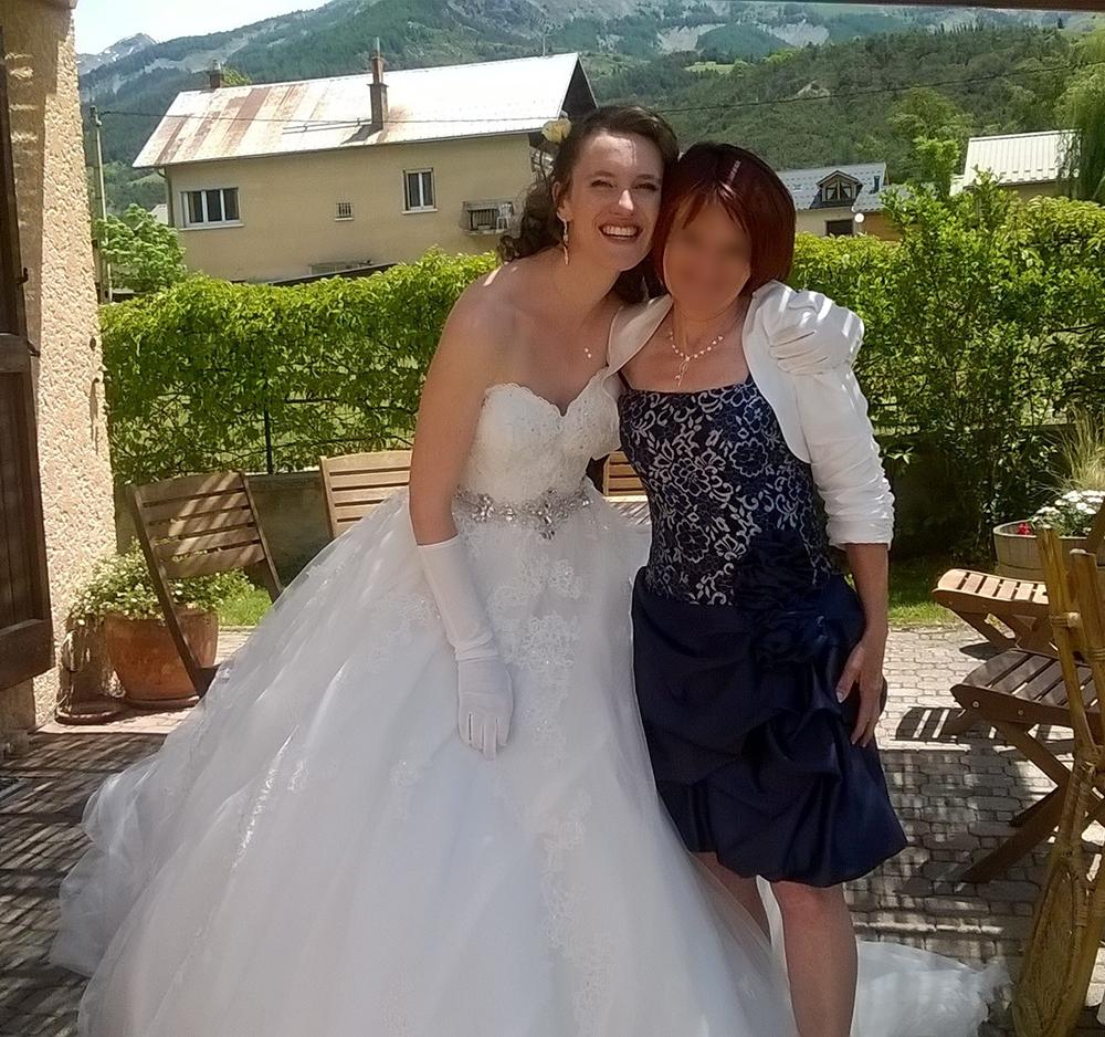Découverte des mariés dans le jardin