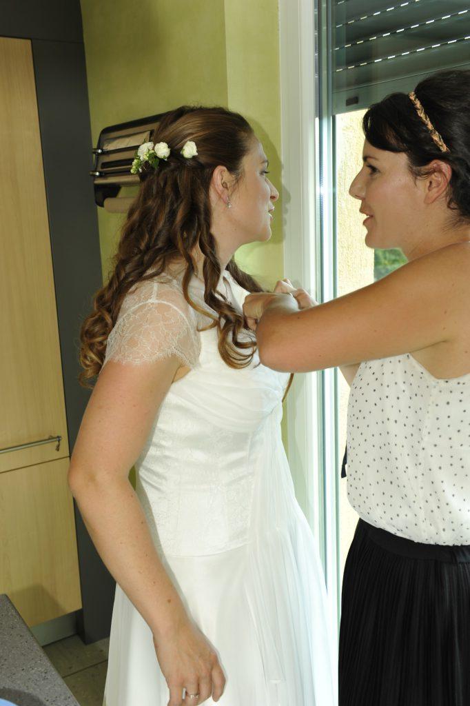 Mise en beauté et enfilage de ma robe de mariée