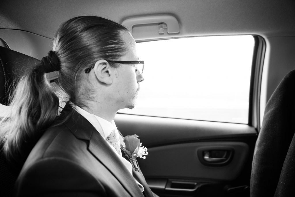 Arrivée à la mairie pour mon mariage // Photo : Vincent Besson