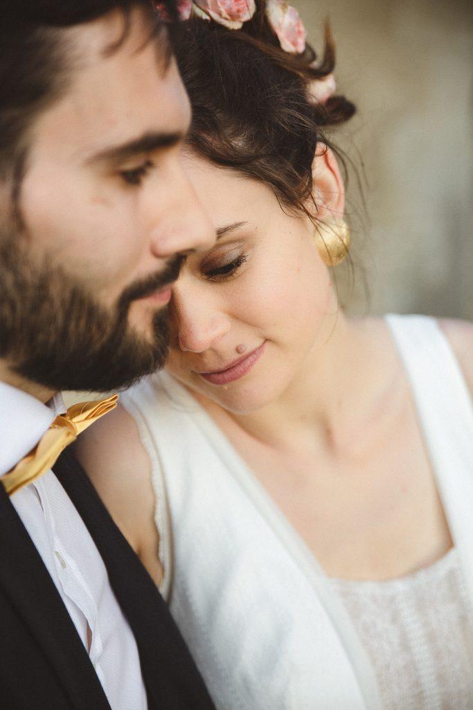 Photos de couple dans le jardin, au couché du soleil // Photo : La Femme Gribouillage