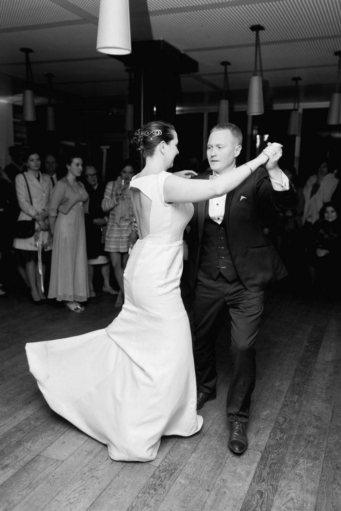 Notre première danse et la soirée de notre mariage // Photo : Samonov Brothers
