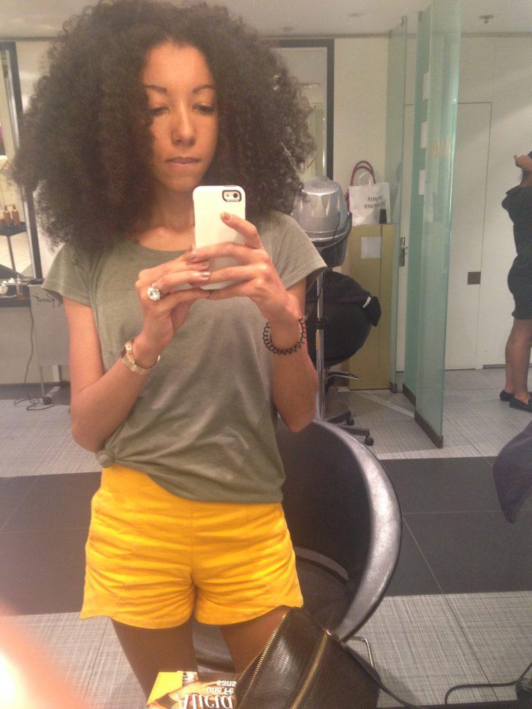 Trouver une coiffure de mariage pour mes cheveux afro