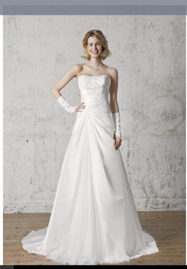 Essayages de robes de mariée petit budget