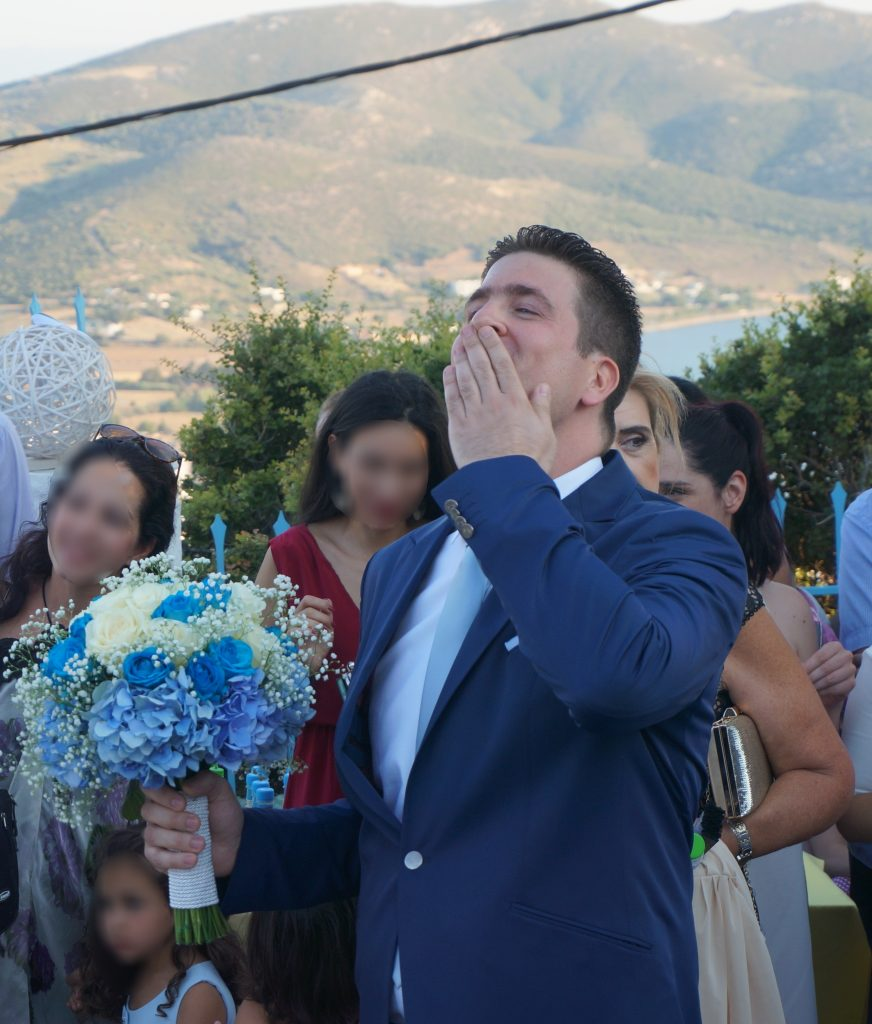Notre arrivée à l'église en Grèce