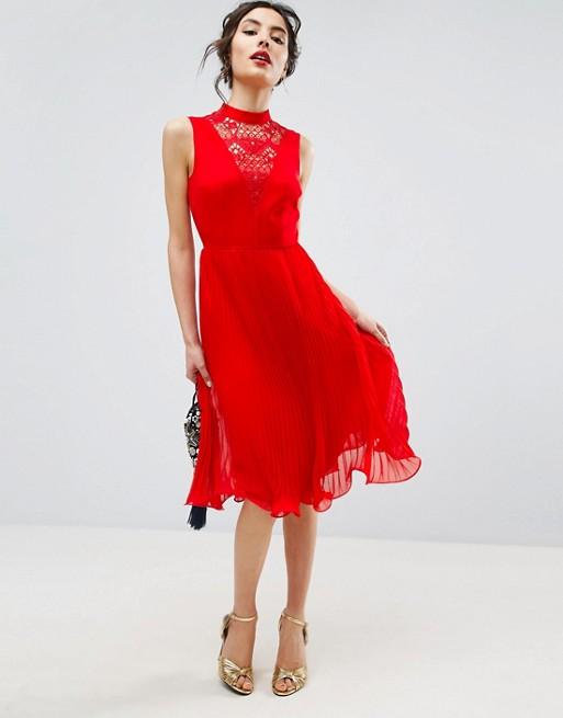 Robe rouge cérémonie chinoise