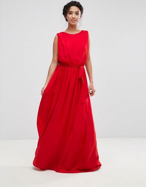 Robe de cérémonie rouge