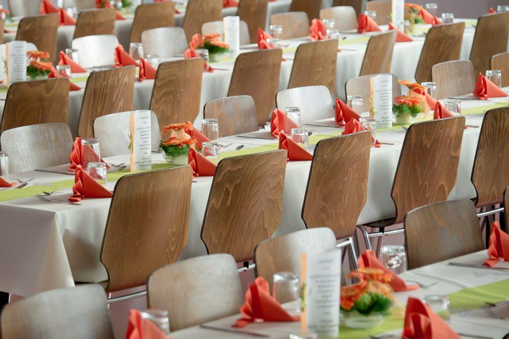 Comment faire le plan de table pour le mariage
