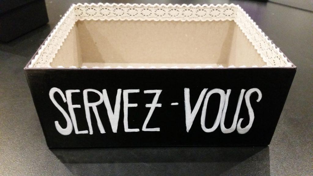 Ma boîte à enveloppes DIY noir et blanc