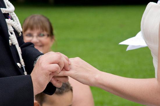 Créer une cérémonie d'engagement laïque pour son mariage