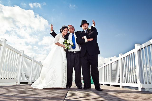 Faut-il inviter son boss et ses collègues à son mariage ?