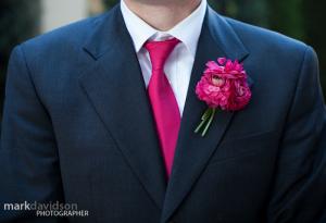 marié cravate rose fuschia