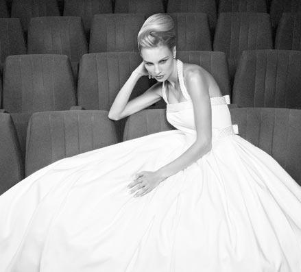 ma robe de mari e n 39 est pas une robe de mari e elle est bien mieux mademoiselle dentelle. Black Bedroom Furniture Sets. Home Design Ideas