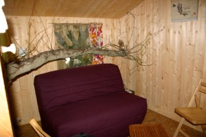 Demande en mariage dans une cabane dans les arbres