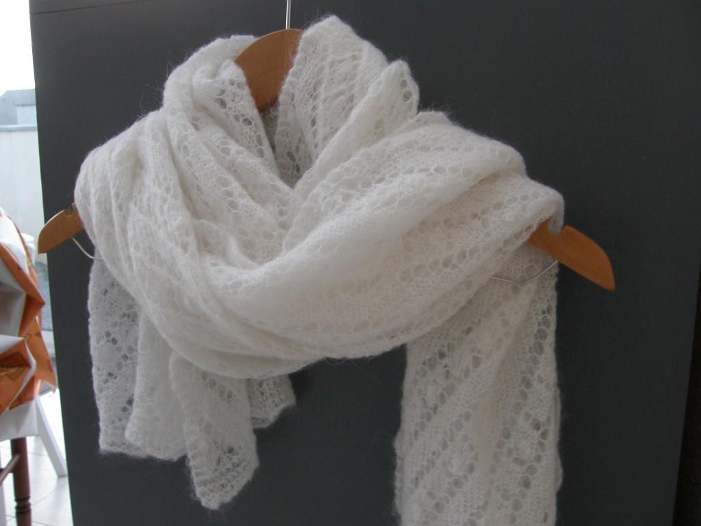 Chale tricoté mariée