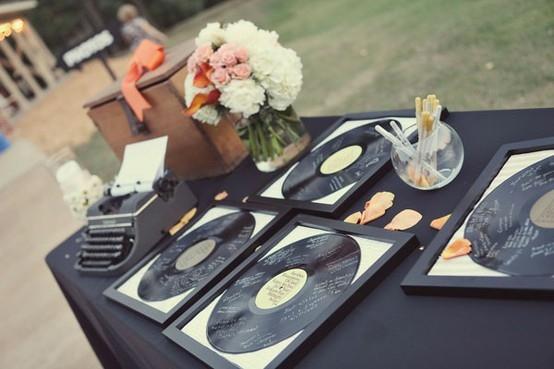 Livre d'or mariage vinyles thème fifties