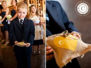 Enfant d'honneur blond mariage