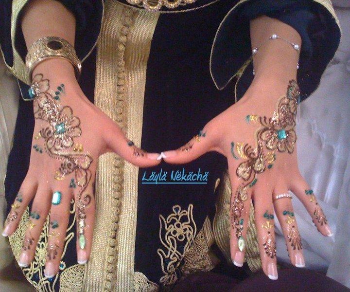La cérémonie du henné, l'enterrement de vie de jeune fille à l'oriental !