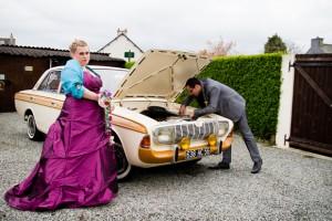 photo de couple mariage voiture