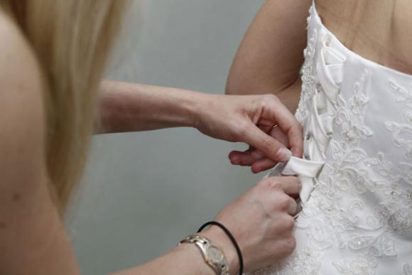 robe de mariée en dentelle faite sur mesure