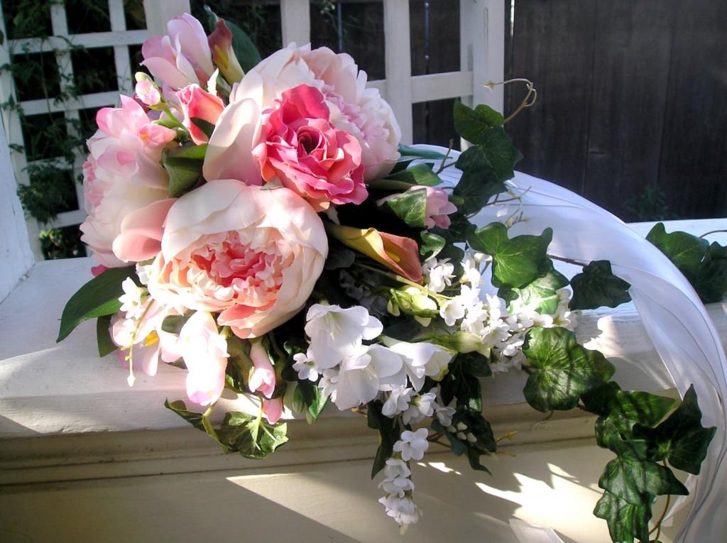 Mon mariage participatif : mon bouquet oublié sur la table du salon !!