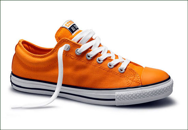 converses orange mariage