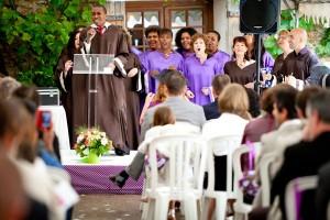 Une cérémonie laïque avec chorale gospel