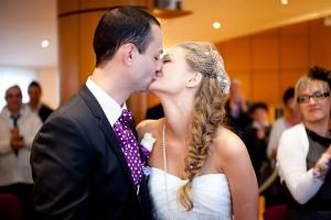 mariage diy cérémonie laique chorale gospel baiser mariés