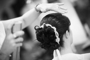 mariage pluvieux mauve coiffure mariée