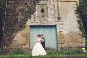 Mariage pluvieux mauve photo de couple