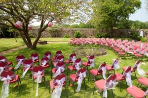 Mariage rose et blanc déco cérémonie
