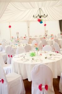 mariage rose et blanc déco de salle