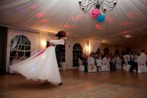 Mariage rose et blanc première danse