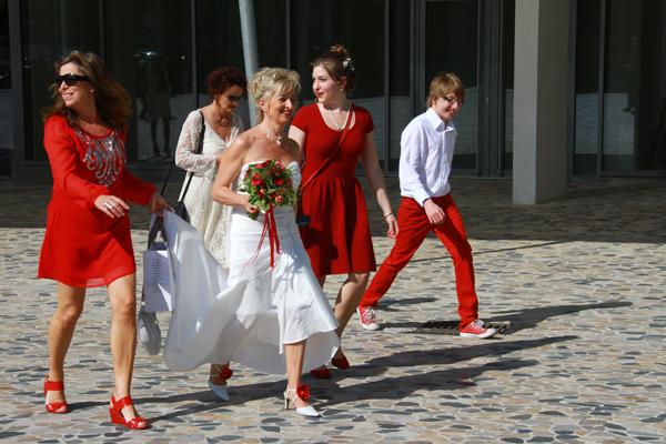 mariage rouge et blanc mariée